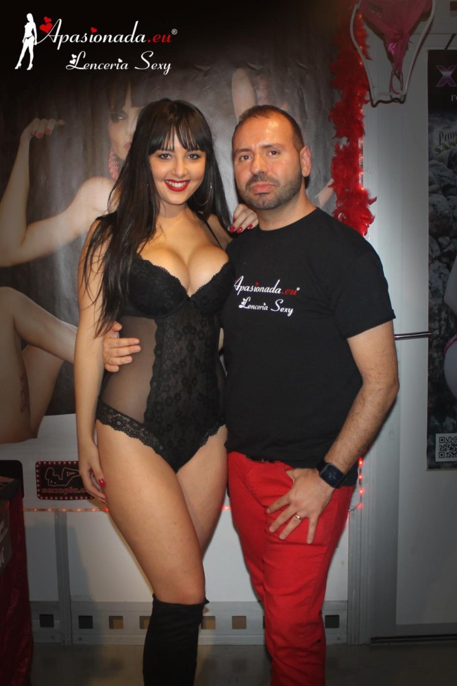Feda 2016 onix babe irina vega show lesbico